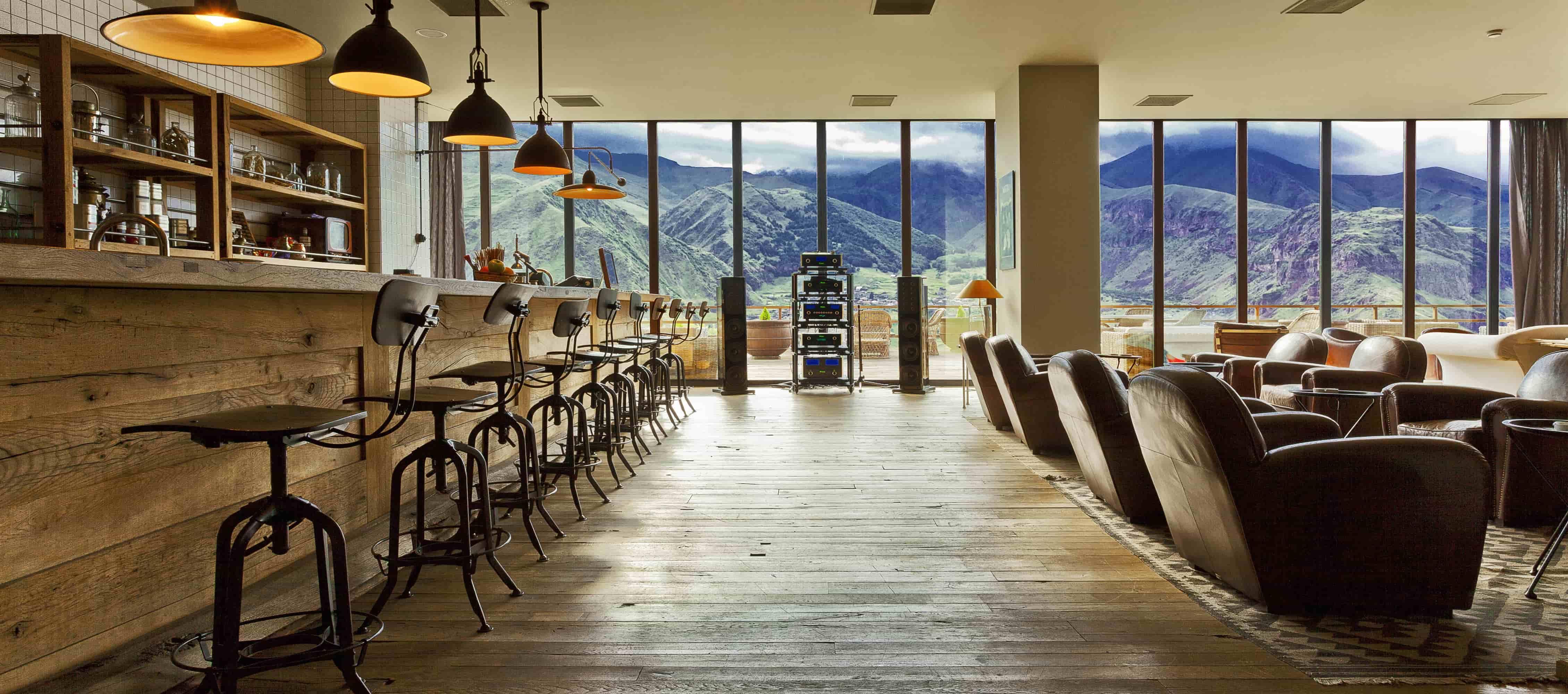 Lounge - Terrace-min