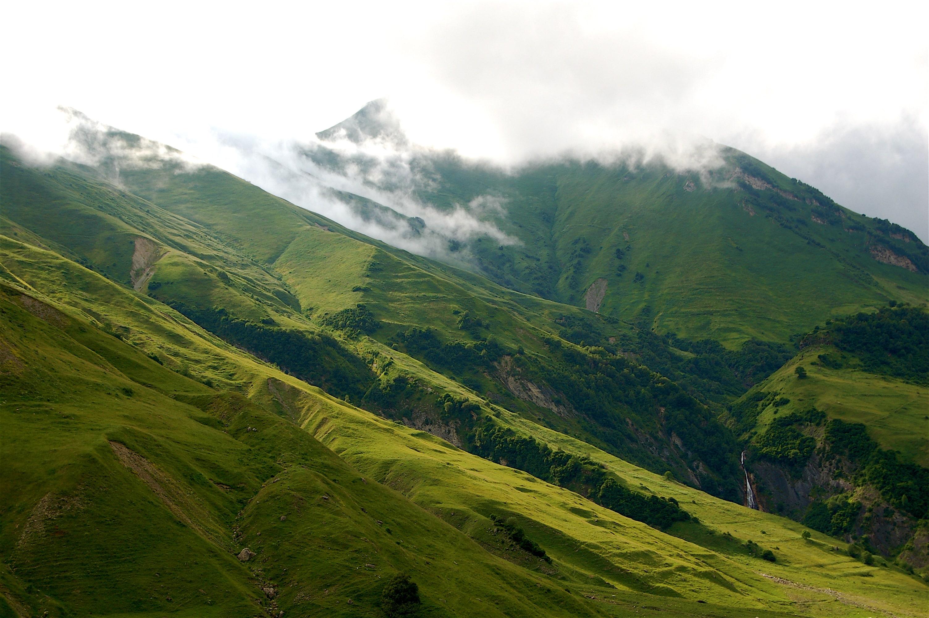 caucasian_landscapes_553788-min